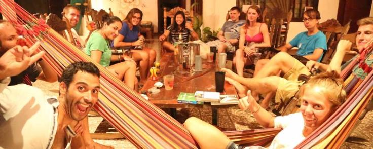 pura-vida-hostel-tamarindo-1500x600