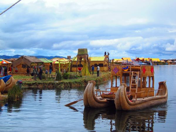 uros-boatislands